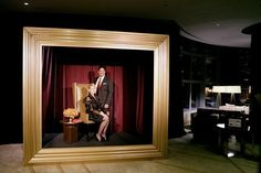 At the Sylvester Comprehensive Cancer Center's gala in Miami, guests could pose for photos behind an oversize golden picture frame. Shiraz Events provided decor for the event, which drew 600 guests. O Grande Gatsby, Photowall Ideas, Desing Inspiration, Photo Zone, Photo Booth Backdrop, Photobooth Idea, Backdrop Ideas, Gold Picture Frames, Backdrops For Parties