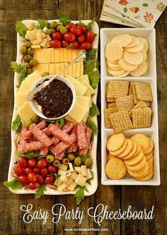 Like the presentation Easy Party Cheeseboard - simple ingredients, big flavor! WMS Garden Party Easy Party Cheeseboard numbered with cheese, crackers, etc. Party Hosting Tips and Ideas Take a look at this Easy Party Cheeseboard Idea. Party and Hosting Tip Snacks Für Party, Appetizers For Party, Appetizer Recipes, Dinner Recipes, Party Recipes, Cake Recipes, Easy Party Food, Dinner Menu, Party Food Presentation Ideas