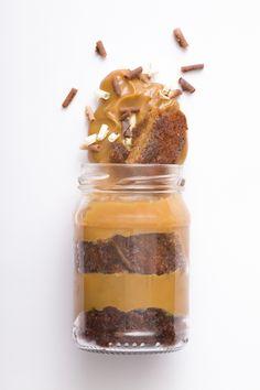 Pote de pão de mel Fotografia de campanha de Páscoa para a Cozinha de Lourenço Produção e fotografia: J. Oshiro e Rodrigo Arabori Cliente: Cozinha de Lourenço Data: Fevereiro de 2015