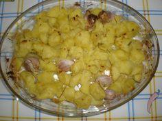 Papas al horno con romero Ingredientes: (para 4 comensales) 1 Kg. de papas Agua Sal gorda marina Aceite de oliva...