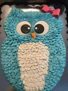 My niece requested a blue owl cake for her birthday so thats… - Vegan Wedding Cake Vegan Wedding Cake, Unique Wedding Cakes, Owl Cake Birthday, 2nd Birthday, Vegetarian Breakfast, Vegetarian Recipes, Big Cakes, Baking And Pastry, Holiday Cakes