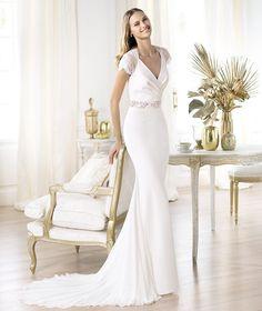 A Pronovias apresenta o vestido de noiva Laila. Fashion 2014.   Pronovias