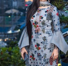 45 Trending sleeve designs for salwar suits New Kurti Designs, Simple Kurti Designs, Stylish Dress Designs, Kurta Designs Women, Kurti Designs Party Wear, Stylish Kurtis Design, Salwar Designs, Full Sleeves Design, Sleeves Designs For Dresses