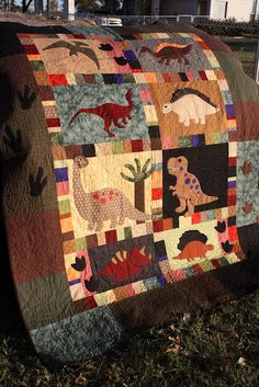 Dinosaur quilt, I would have loved this as a kid!