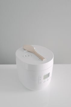 *-* juste ce qu'il me faut Muji Rice Cooker by Naoto Fukasawa — Minimally Minimal Id Design, Modern Design, House Design, Wabi Sabi, Muji Style, Naoto Fukasawa, Cuisines Design, Small Appliances, Electrical Appliances