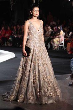 Manish Malhotra at Lakmé Fashion Week winter/festive 2016 Indian Reception Dress, Bride Reception Dresses, Indian Wedding Gowns, Indian Gowns, Indian Bridal, Bridal Dresses, Bridal Gown, Bride Indian, Dress Wedding