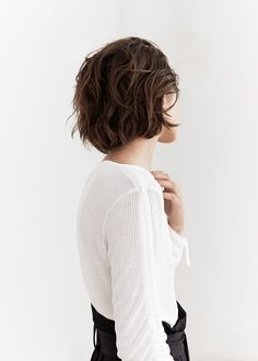 PREMIUM - Ribbed fine-knit sweater