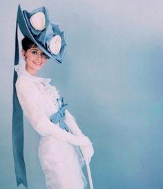Audrey Hepburn - Isabel Santos Pilot