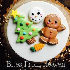 50 ideas cookies christmas kids royal icing for 2019 Christmas Biscuits, Christmas Sugar Cookies, Christmas Cupcakes, Christmas Sweets, Christmas Cooking, Noel Christmas, Holiday Cookies, Cute Cookies, Cupcake Cookies