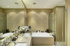 Salle de bains design dans les tons beiges
