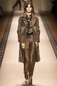 Etro - This collection was warm, sophisticated and made for the woman who can appreciate good fabrics, but is not looking to be the center of attention. Loved that the prints Etro s known for was still present but done in an elegant way. thestyleweaver.com Fall 2015 Ready-to-Wear