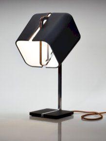 Aligned lamp from daast studio lamp design, desk lamp, most beautiful, offi Bedside Table Lamps, Desk Lamp, Modern Lighting, Lighting Design, Blitz Design, Studio Lamp, Design Industrial, Room Lamp, Brass Lamp