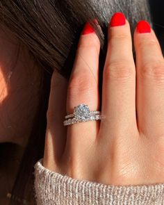42 Top Round Engagement Rings: Best Rings Ideas %%page%% %%sep%% %%sitename%% Diamond Rings, Diamond Jewelry, Jewelry Rings, Classic Engagement Rings, Diamond Engagement Rings, Or Rose, Rose Gold, Wedding Jewelry, Wedding Rings