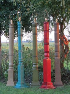 tall lamp made out of an old turned wooden porch post. Furniture Projects, Diy Furniture, Painted Furniture, Wood Projects, Casa Pop, Porch Columns, Wood Columns, Bed With Posts, Porch Posts