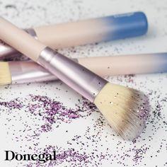 Co powiecie na trochę lata w środku zimy? Z serią JUNGLE 🌴🦎 to możliwe! #jungle #brush #makeup #make-up #pędzel #makijaż # karnawał