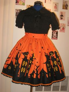 AAAH GIVE ME THIS MY KINGDOM FOR THIS DRESS halloween