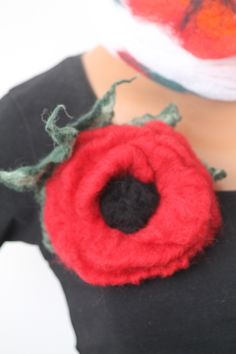 felted brooch / poppy/ flower brooche /felted white red poppy/ big poppy flower felt / needle felt by RozalkaFeltAndWool on Etsy