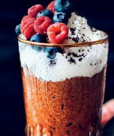 Snídaně patří k základním kamenům zdravého stravování. Acai Bowl, Smoothies, Pudding, Breakfast, Desserts, Food, Acai Berry Bowl, Smoothie, Tailgate Desserts
