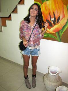 coturno, animal print, estampa, flores, floral, print, onça, shorts, shorts jeans, cinto, lilly sarti, cinto apache, franjas