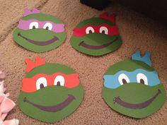 Teenage Mutant Ninja Turtles birthday party - Decor ideas, including FREE PRINTABLES! {from friedkristy.com}