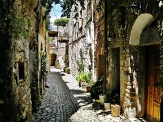Mastic Villages at the Island of Chios - Top 10 Secrets Travel Gurus Will Never Tell You About Greece - Page 6 Greek Islands To Visit, Best Greek Islands, Greece Islands, Chios Greece, Greece Travel, Santorini, Athens, Places To Go, Beautiful Places