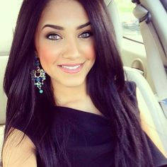 This girl is gorgeous and her makeup is flawless!
