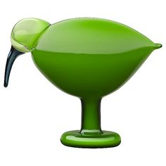 iittala Toikka Green Ibis One of Oiva Toikka's most popular bird forms returns in this striking green color. The iittala Toikka Green Ibis is a beautifully simple bird with a smooth, flowing form. An uncomplicated, but deep col. Design Shop, House Design, Contemporary Decorative Objects, Green Home Decor, Green Decoration, Blown Glass Art, Shops, Nordic Design, Scandinavian Design