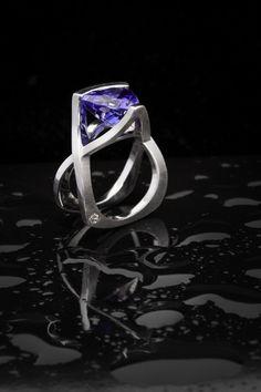 Tanzenite Ring