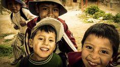 Empezando el trek Santa Cruz en #Peru #alegría #niños #huaraz