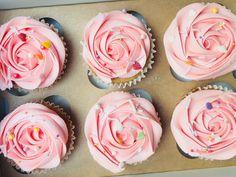 Vegan Sprinkles Cupcakes | thesmallslicebakery.com