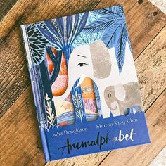 "November is a full month as it's also #PictureBookMonth and #NationalFamilyLiteracyMonth! 📚  This month we'll be highlighting some of our favorite picture books with the hopes of encouraging you and yours to read together! 📚Starting this month off with ""Animalphabet"", a gorgeously illustrated alphabet book with fold-outs, written by Julia Donaldson and illustrated by Sharon King-Chai. #dialbooks @penguinkids   #mjudsonbooks #picturebook #literacy    #Regram via @www.instagram Book List Must Read, Book Lists, Books To Read, List Challenges, Life Changing Books, Alphabet Book, Book Aesthetic, Shelfie, What To Read"