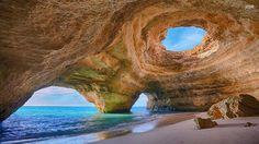 La plage de Benagil, dans l'Algarve au Portugal