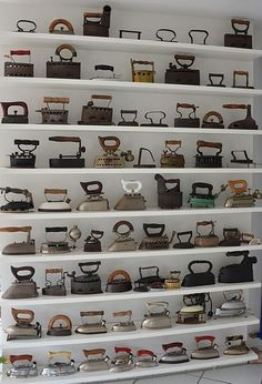 discount ui 15 Unexpected Ways to Decorate with Collections: This iron collection-turned-wall-art reminds us of the vintage sewing machines that AllSaints uses in their store window displays. Motif Vintage, Vintage Keys, Vintage Iron, Vintage Tools, Vintage Decor, Vintage Antiques, Vintage Display, Vintage Stuff, Retro Vintage
