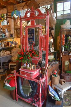 SuzAnna's Antiques