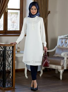 Arabic Style : Hijab Fashion Sélection de looks tendances spécial voilées Look De. - Tesettür Tunik Modelleri 2020 - Tesettür Modelleri ve Modası 2019 ve 2020 Hijab Fashion 2016, Muslim Women Fashion, Islamic Fashion, Abaya Fashion, Modest Fashion, Girl Fashion, Fashion Outfits, Hijab Fashionista, Outfit Look