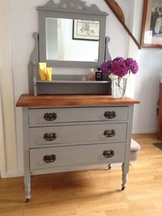 Beautiful shabby chic oak victorian dressing table ,chest of drawers Annie Sloan