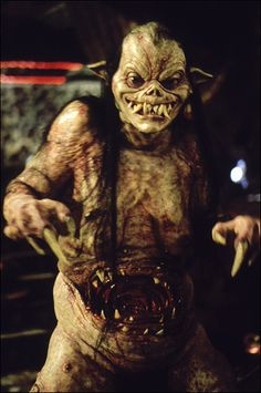 This is thee ONLY vamp moviee makeup i like..Tom Savini PWNS