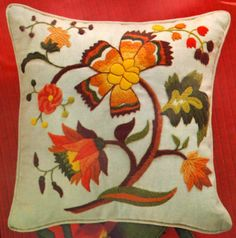 "VINTAGE ERICA WILSON FLORAL ""JACOBEAN PILLOW"" CREWEL EMBROIDERY KIT"