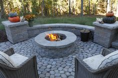 Thoughtfully created outdoor rooms for homeowners throughout Richmond and central Virginia. Backyard Plan, Backyard Seating, Backyard Landscaping, Fire Pit Seating, Garden Fire Pit, Fire Pit Backyard, Gravel Patio, Pea Gravel, Patio Roof
