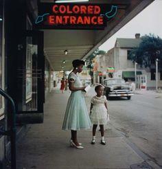 Untitled, Mobile, Alabama, 1956 © The Gordon Parks Foundation