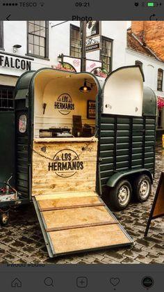 p/food-trailer-horse-box - The world's most private search engine Food Cart Design, Food Truck Design, Café Mobile, New York Essen, Hy Citroen, Foodtrucks Ideas, Horse Box Conversion, Bar Deco, Coffee Food Truck