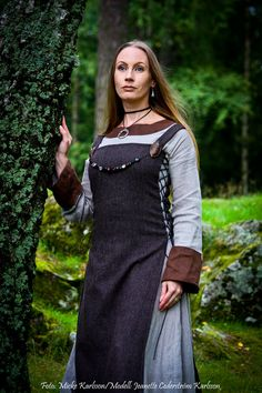 Beautiful Viking Wife...except as a married woman she would wear a head covering.