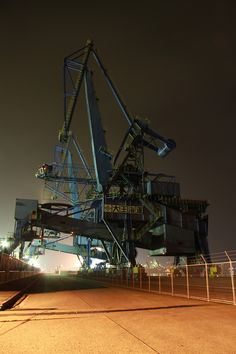 Somewhere Industrial looking, maybe down at the waterfront near the boat with… Heavy Construction Equipment, Heavy Equipment, Gantry Crane, Mechanical Design, Mechanical Engineering, Heavy Machinery, Building Structure, Matte Painting, Less Is More