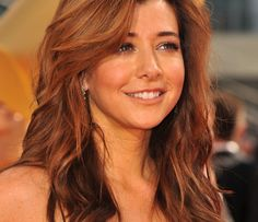 We first fell in love with Alyson in the when she made us laugh on Buffy the Vampire Slayer. Buffy, Alyson Hannigan, Gorgeous Redhead, How I Met Your Mother, Pretty Face, Cute Hairstyles, American Actress, Pretty Woman, Beautiful People