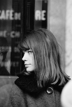 Françoise Hardy☆Born January 17, 1944☆Singer, songwriter, writer and musician who was a leading figure of the yé-yé movement in France. #francoisehardy #beautiful #french #france #françoisehardy