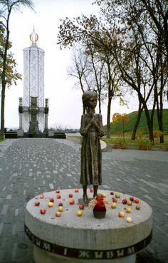 Memorial to the Holodomor Victims (Kiev, Ukraine) · Lomography