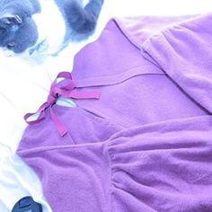 洋服もすきです... いつでもお洒落になるのが夢です....☆彡 #一眼レフ#Canon#洋服#tops#chambredecharme#写真好きな人と繋がりたい#お洒落さんと繋がりたい#猫#愛猫 #洋服を広げるとうちの猫ちゃんはなぜか上に乗って邪魔をします