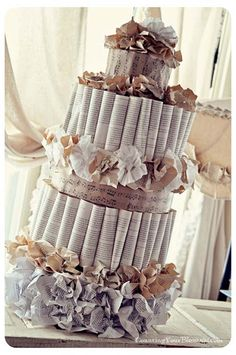 Book and Music Inspired Wedding Cake (I cannot handle how much I love the look of this cake!)