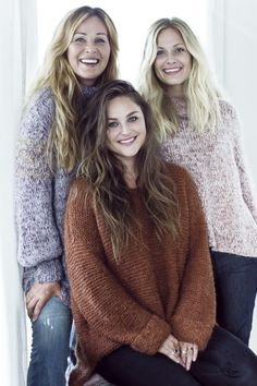 STRIKKEDILLA: I Skappel-familien skal ingen behøve å fryse. Foto: Astrid Waller Thick Sweaters, Cute Sweaters, Wool Sweaters, Sweater Knitting Patterns, Knitting Designs, Knit Patterns, Gros Pull Mohair, Angora, Puffy Jacket