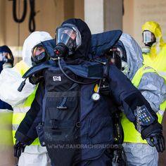 Décontamination d'un démineur en tenue lourde entré dans une zone NRBC [Ref:2316-41-1237] #securitecivile #demineur #NRBC #nedex #eod9